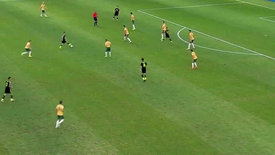 托雷斯在世界杯的最后一球:小白精准直塞,托雷斯门前冷静推射