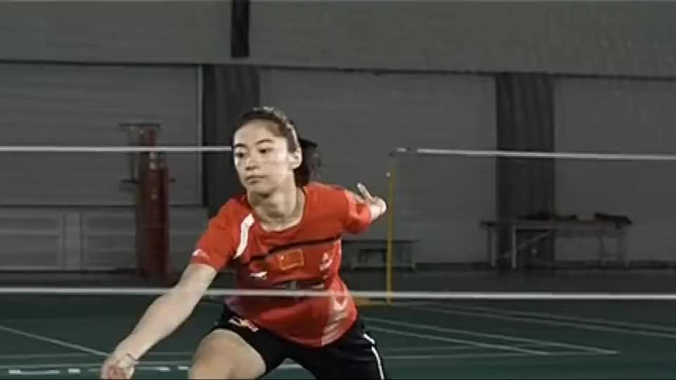 羽毛球世界冠军王适娴:教你进攻步伐技巧,李永波教练总结要领!