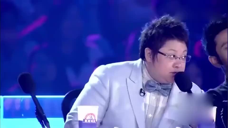 李玟刚表演完,韩红:还有更厉害的,接着喊出了黄晓明的名字