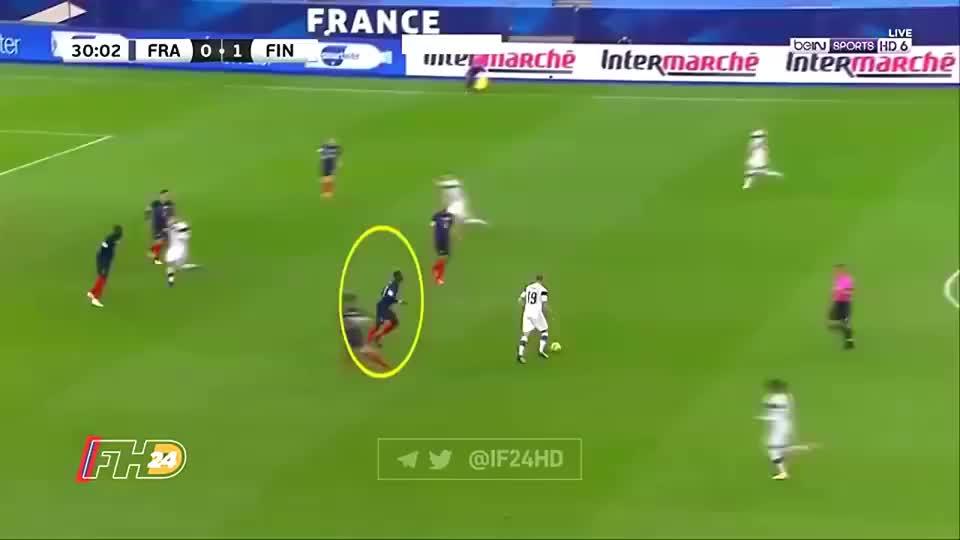 法国球迷批评博格巴散漫防守导致丢球