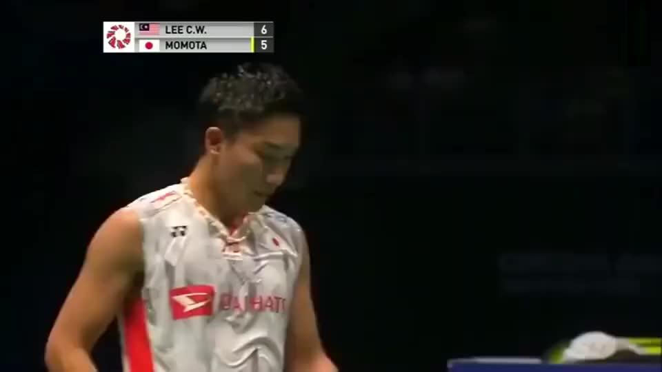 李宗伟对战桃田贤斗,羽毛球高手间的对决,就是这么精彩!