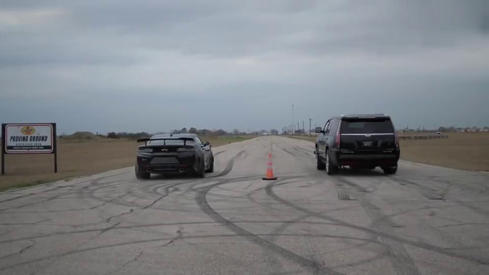 视频:科迈罗ZL1VS凯迪拉克凯雷德,跑车对SUV,竟然还有悬念?