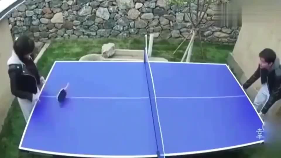 福原爱与老公打乒乓球,江宏杰一点面子都不留使出必杀技!