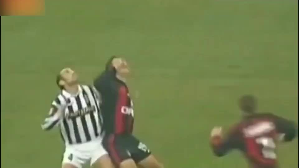 舍甫琴科AC米兰生涯最佳进球 禁区右侧完美吊射 布冯毫无办法