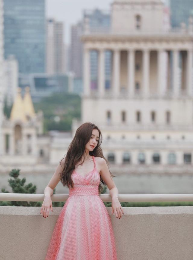 明星图集:粉色系杨颖
