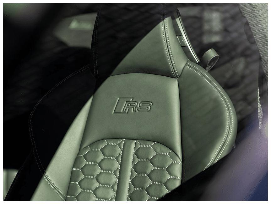 新款奥迪RS 5Coupe车型海外实拍,绿色涂装更有运动质感