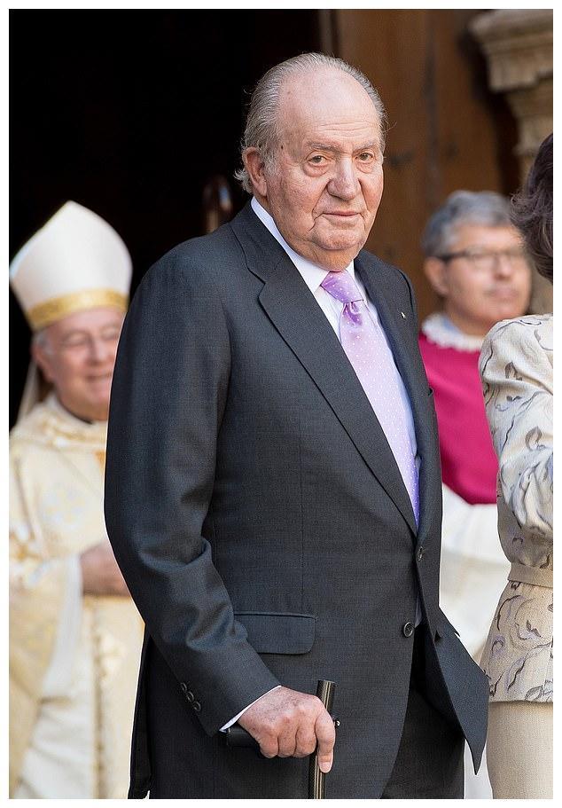 莱昂诺尔公主从穿衣入手挽救王室!爷爷逃亡住阿联酋酒店9万一天