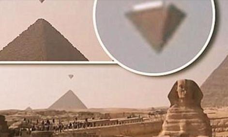 金字塔对准天狼星,飞行员疑似穿越,似乎在告诉我们金字塔的来历