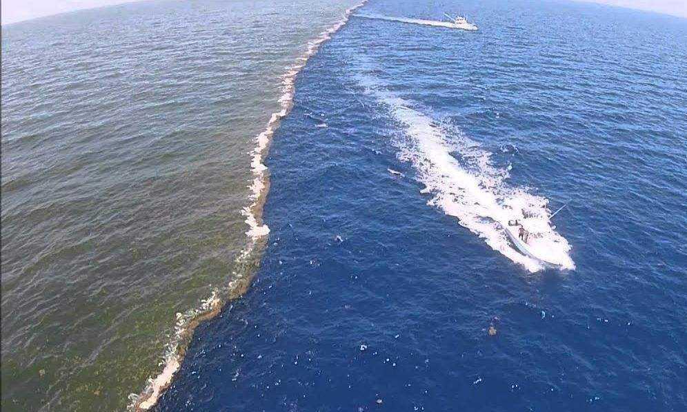 地球上最怪异的地方,海水被一分为二,这里到底发生了什么?