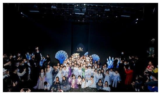 中国国际时装周秀 童星张宜涵惊艳亮相