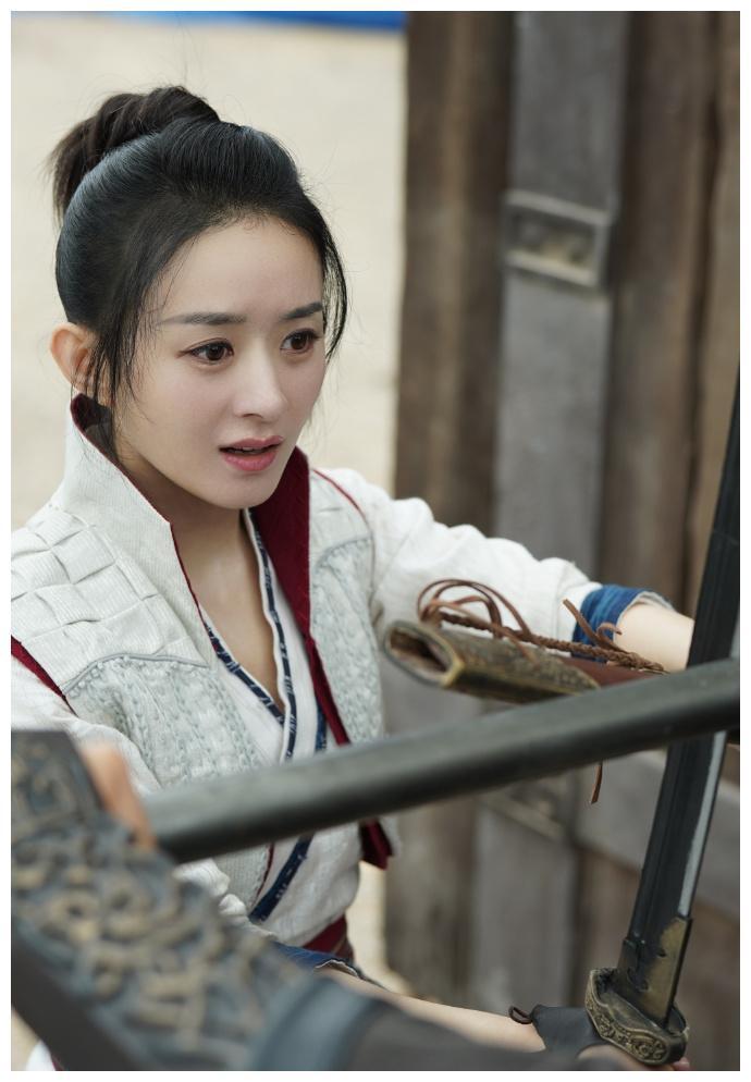 有翡副导演揭露拍摄内幕,美女制片人喜欢王一博
