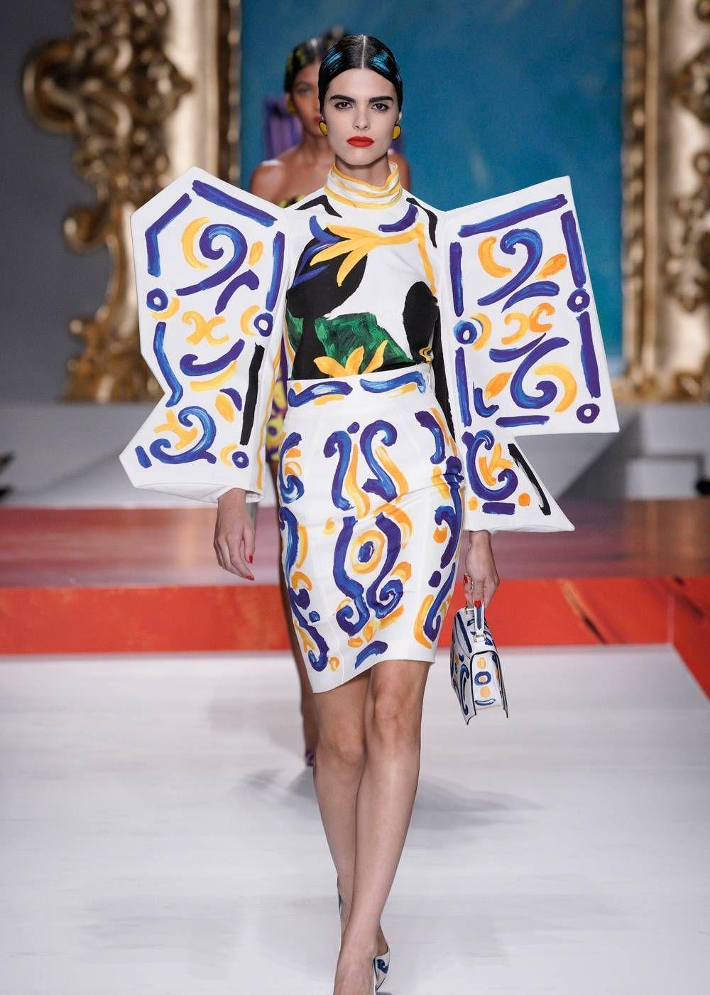 莫斯奇诺将毕加索这一元素加入衣服中,怪诞又个性!