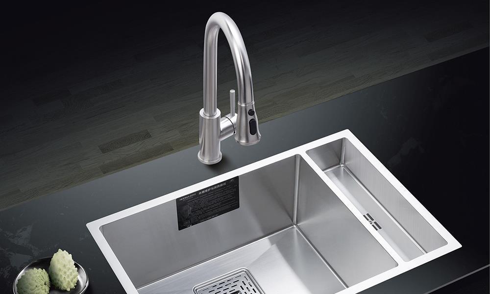 厨房台中盆与台面缝隙怎么处理?