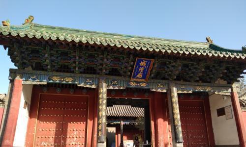 郑州一处百年历史的寺庙,拥有格外不同的地位,古朴的城隍庙