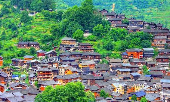 贵州三大寨:千户苗寨、侗家山寨和水头布依山寨,谁的魅力更大?