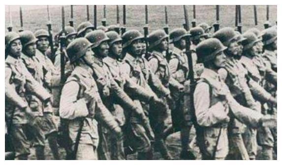 """为安抚部下,陈诚提拔一个人任师长,成十八军为数不多的""""独苗"""""""