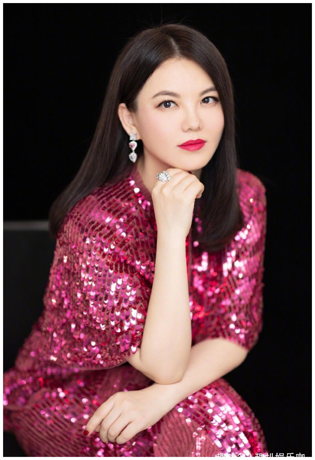 李湘晒女儿近照,小小年纪就志向远大,牛津大学是她的梦想