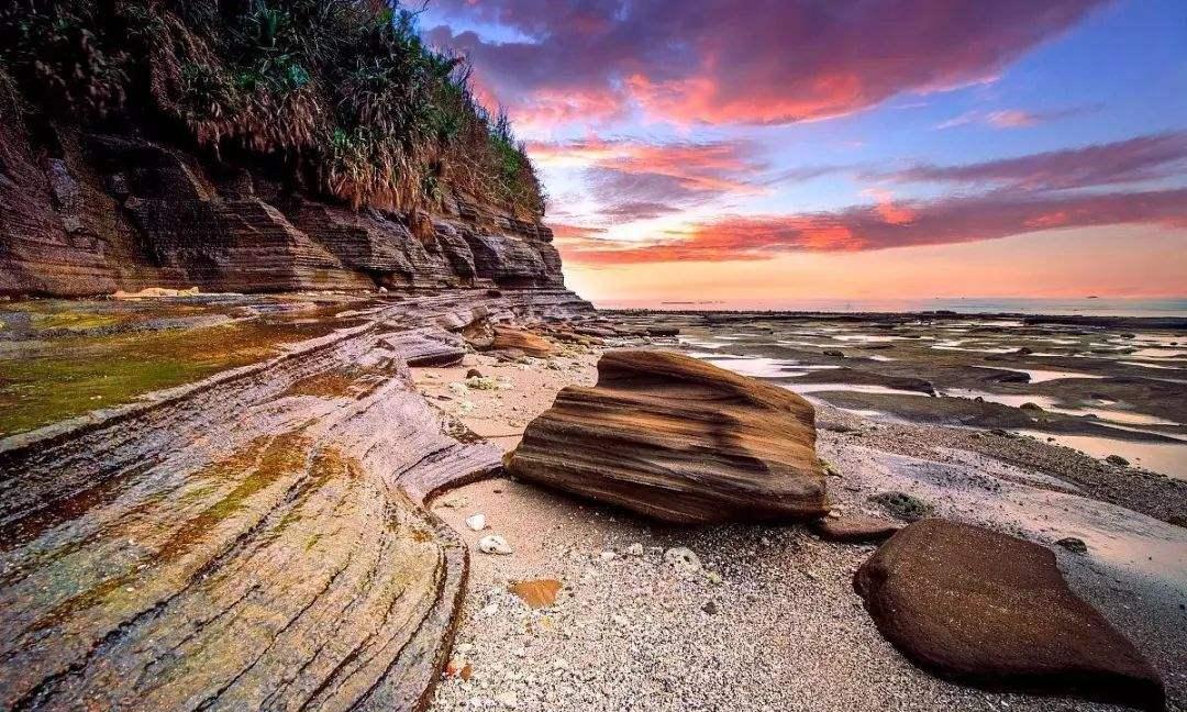 """中国最大、地质年龄最小的火山岛——涠洲岛,被誉为""""北海之珠"""""""