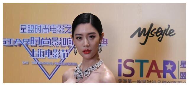 """号称""""亚洲第一美女"""" 的克拉拉太惊艳,身材比颜值更完美"""