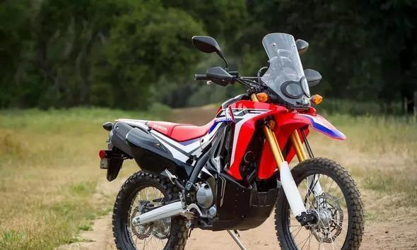 入门级冒险拉力汽车,249cc单缸水冷带10升油箱