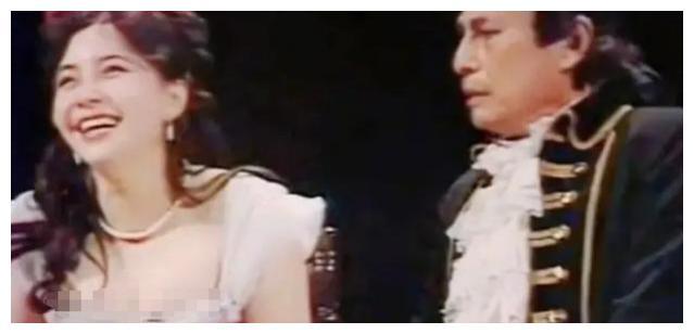 """要不是遇到赵本山,她现在还能""""靠脸""""吃饭吧"""