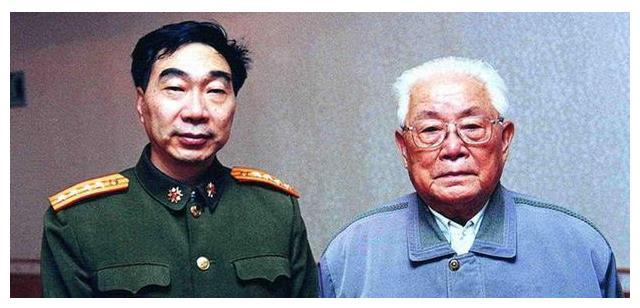 他接替老领导贺炳炎任大军区司令员7年,还成最后一任装甲兵司令