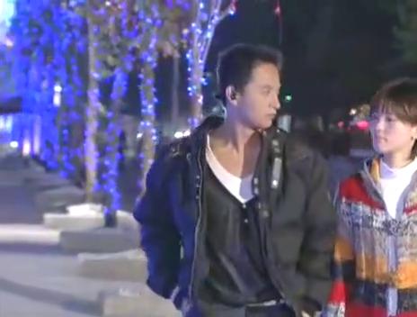 天皓小萱浪漫约会,一番夜游后两人感情更深了,小伙还当街表白