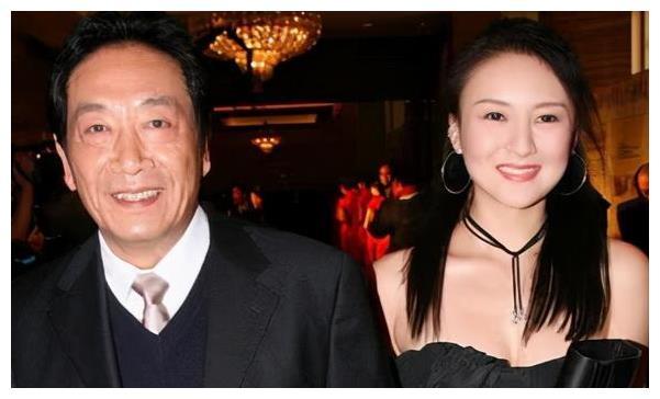 当年执意嫁大37岁王奎荣,愿为他生儿育女的饶芯语,如今过得怎样