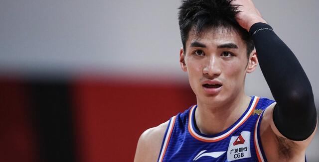 CBA常规赛第一轮开始,新疆男篮逆转广州男篮!