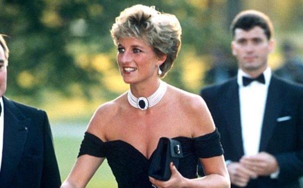 戴安娜和查尔斯分居后穿性感黑裙:没了王室也可以活得很好