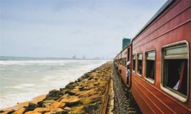 """海南的""""海上火车"""",是怎么行驶过海的?看完佩服我国工程师智慧"""