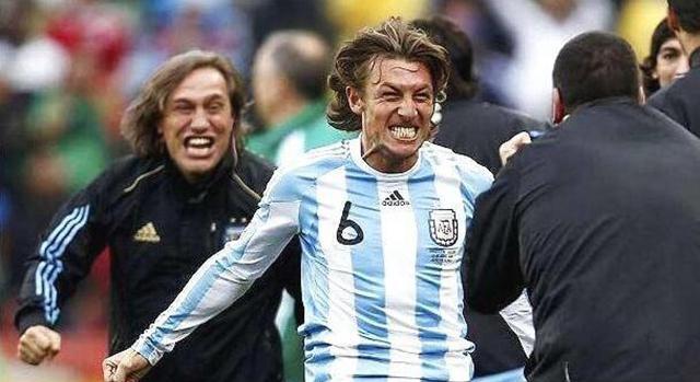 阿根廷巨星有望执教武磊!与梅西C罗都做过队友,但前提却很残酷