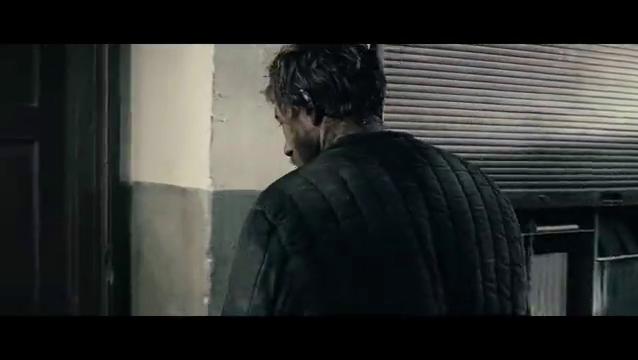 雾林寒战:男子看到绞死的同伴,心里不是滋味