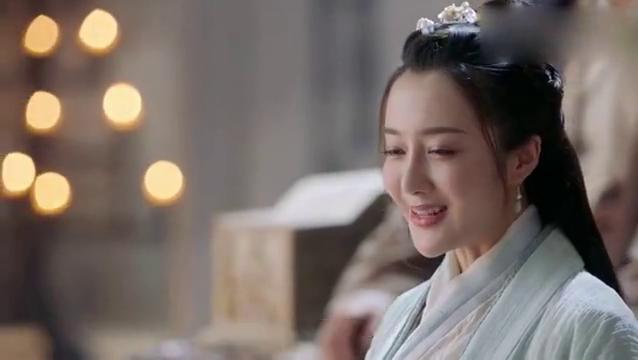 阳夫人撮合紫衫龙王与光明右使,怎料她心有所属,此人遭全教反对