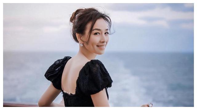 有一种闺蜜叫张庭,黄浦江边价值17亿的大楼,直接送一层给陶虹