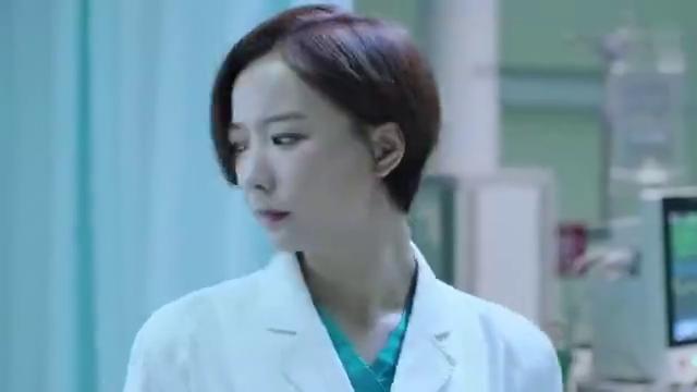 急诊科医生:新型药品出问题了,医生拿走了药盒,要准备怎么做呢