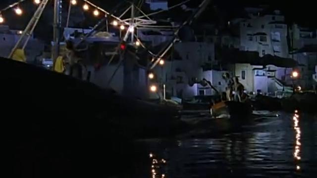 在罗伯托的威胁下,富兰克不得不让船立即航行