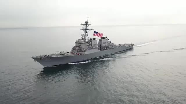 再不走就撞沉!美战舰罕见闯入领海2公里,俄军果断出手不留情面