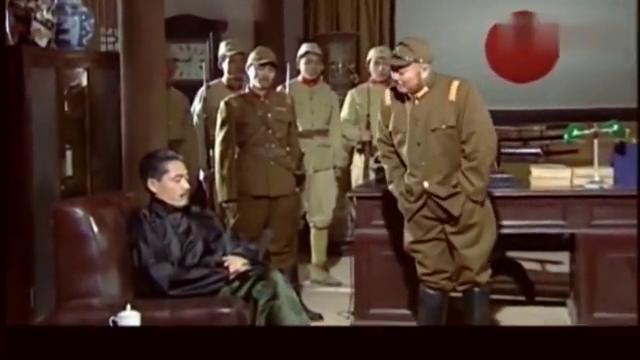 大宅门:七爷拒绝做汉奸,演戏诬蔑王喜光,这一脚踢的真爽