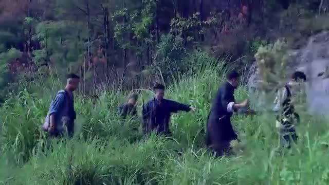 鬼子重兵围剿,兄弟们正准备鱼死网破,没想到农村小伙想出这主意