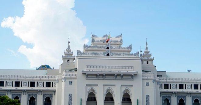 缅甸仰光一日游,乘坐环城小火车看当地露天市集