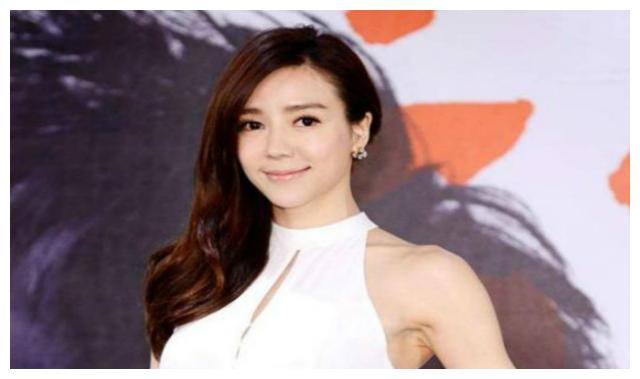 知名女星被指像蔡明,正主亲自回应键盘侠:她没我漂亮