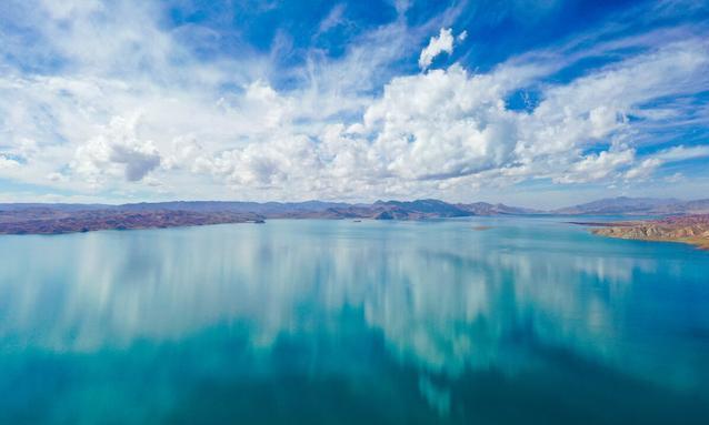 堪称现实版《千与千寻》,青藏高原的圣洁天湖,美若梦境