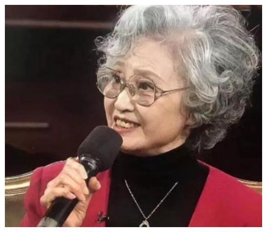 《西游记》中,白骨精的饰演者杨春霞为何一生都没原谅杨洁导演?