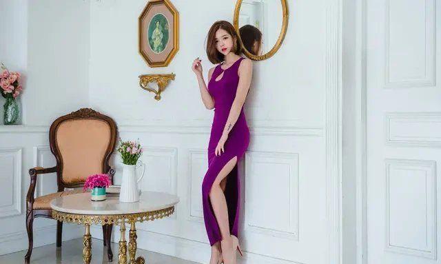 尹素婉紫色长裙上演极致诱惑