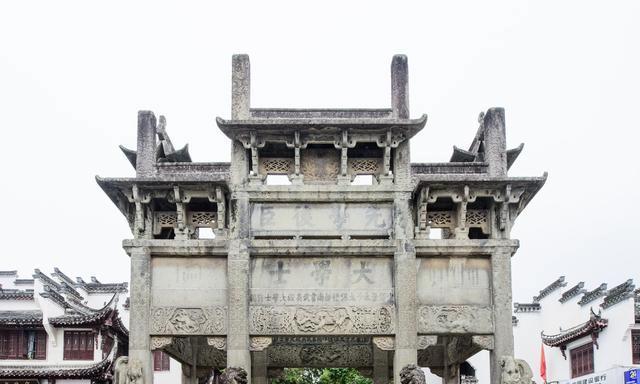 安徽这个保存完好的古城,是古徽州文化发源地,但却受到极大争议