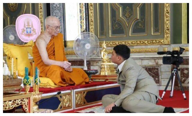 泰国15岁提帮功王子亮相,体型魁梧独挑大梁,苏提达地位再得巩固