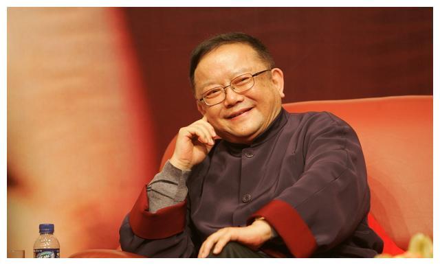 """王刚的四合院就如同一个博物馆,他的家产与""""和珅""""有得一拼"""