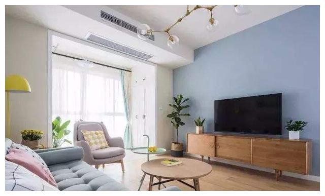 电视墙别弄太复杂,乳胶漆加深颜色,200元搞定,简单好看随便换