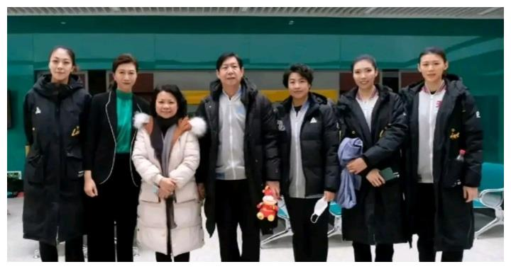 天津女排队员参加天津2021元宵晚会节目拍摄